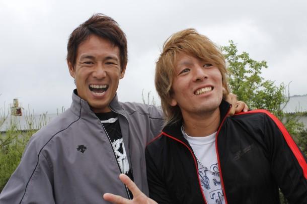 田中教世選手とIAカズトの兄貴矢野昇平選手の2ショット。写真で解るとおり「飴と鞭」って感じですね!w それにしても教世選手のへん顔が面白いです(o^^)o