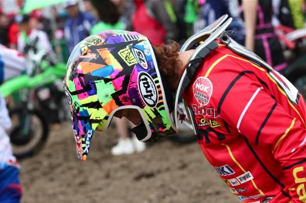 岡野聖選手のヘルメットはBPMデザイン。カッコいい! BPMはパジェスのバイクもデザインしてたり、今勢いがハンパないですね