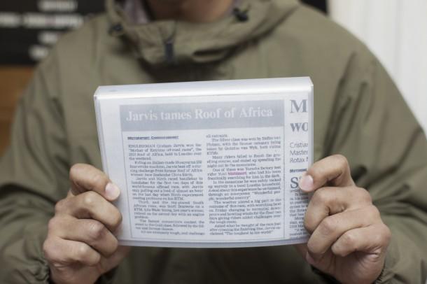 西森の事件がばっちり書かれてしまった、現地ローカル新聞