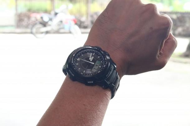 電波腕時計は必需品。電波時計で進行することが多く、時間を正確に把握することで、日陰などで休息をしっかりとれる。不安で早く準備しすぎたりせずに済むと言う。