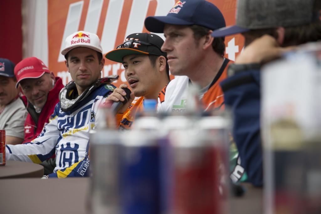 ライダープレスカンファレンス。矢野は呼ばれるんでしょうか?
