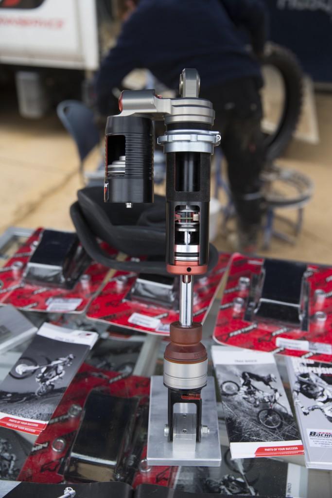 WPのブース。2013年では、KTMのエンジンが載るフレームを展示していて実に興味深かったです