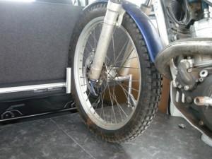タイヤストッパー付き床パネル1