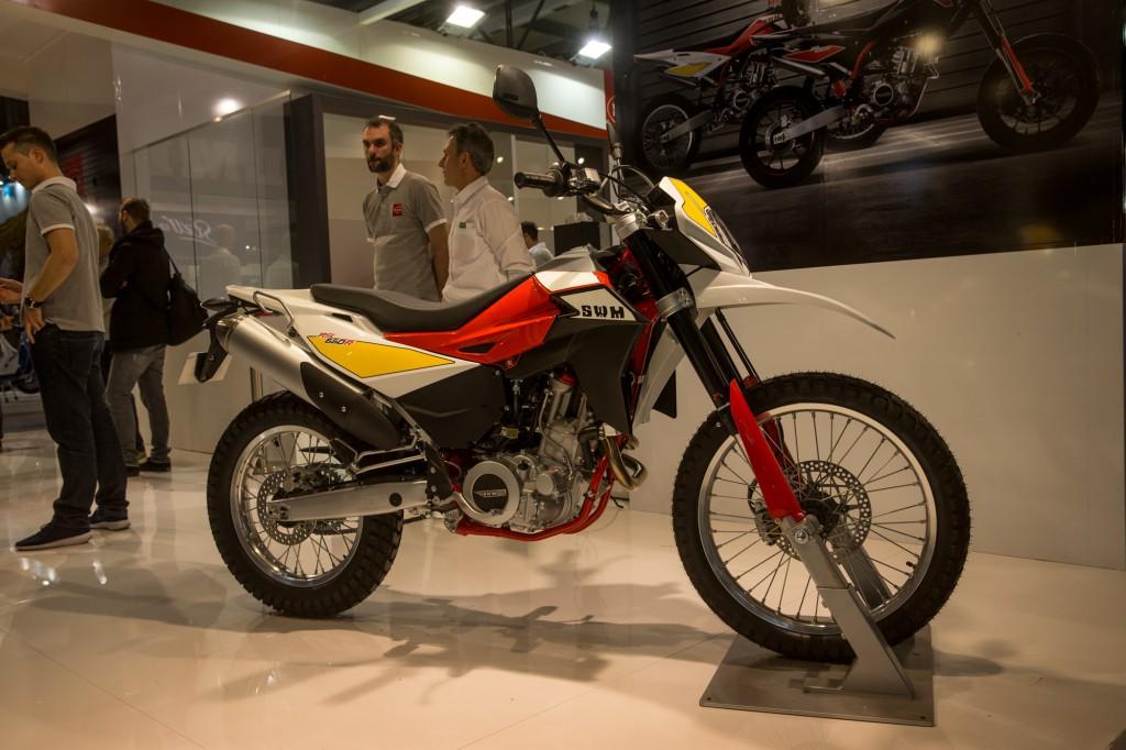 650ccのツアラーに属すると思われるRS650R