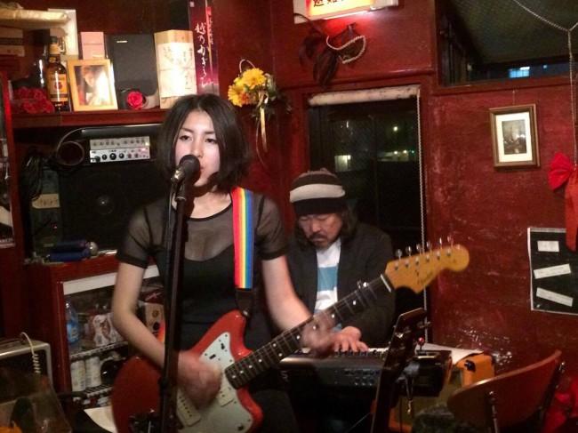 好評「歌うダートガール」渡邉藍のコラム