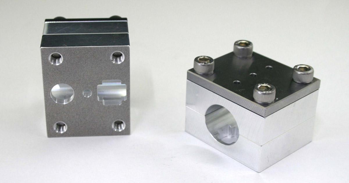 穴あけ加工専用治具を使ってC.F.POSHのミニスイッチを付けよう!